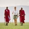 Les pisteurs massaîs, ici, en compagnie de Fabia Bausch, font découvrir l'Afrique dans tout ce qu'elle a de plus authentique.