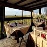 Le Buron du Ché situé près de Nasbinals propose un aligot préparé encore à l'ancienne. Les gastronomes pourront le déguster devant une vue panoramique sur l'Aubrac.