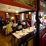«Chez Remise» est une institution en Aubrac. Situé à Saint-Urcize, ce café-restaurant qui fait aussi hôtel, presse, tabac et presque office du tourisme est un petit théatre de la comédie humaine !