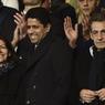 Le président du PSG, Nasser Al-Khelaïfi, entouré de la Maire de Paris, Anne Hidalgo et du président des Républicains, Nicolas Sarkozy.