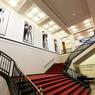 Le musée de la photographie (Fondation Helmut Newton) présente la vie et l'œuvre du célèbre photographe et des expositions temporaires thématiques ou monographiques.