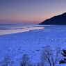 L'hiver au Québec est un véritable art de vivre. On s'y perd avec délice à skis, en raquettes, en traineau à chiens ...