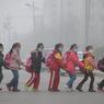 Au moins dix villes de Chine et une province entière étaient placées jeudi en «alerte rouge» à la pollution atmosphérique, soit le niveau maximal d'alerte.