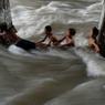 Triste Noël aux Philippines où les habitants ont été surpris par des inondations. Des dizaines de milliers de Philippins ont été affectés par le typhon Melor qui a fait au moins 35 morts.