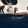 Après de longs moments passés dans l'eau et une observation réussie, la fatigue se fait sentir. Il est temps de remonter à bord pour échanger ses impressions...