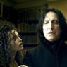 Alan Rickman campera pendant près de 10 ans, le rôle du mangemort Severus Rogue dans la saga adaptée des romans de J.K. Rowling.