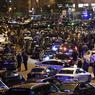 Mécontents,  les chauffeurs de taxis restent mobilisés. À Paris, ils maintiendront cette nuit (de mardi à mercredi) les blocages aux aéroports de Roissy et Orly, au niveau de la porte Maillot mais aussi devant Bercy. Le secrétaire général du syndicat des taxis marseillais, Rachid Boudjema, a annoncé que le mouvement a été reconduit dans la cité phocéenne pour une deuxième journée. Selon La Dépêche, les taxis les plus virulents ont également décidé de reconduire leur mobilisation mercredi à Toulouse, en promettant des blocages «plus sévères». France Bleu Toulouse annonce de son côté que ces blocages concerneront l'aéroport et la gare Matabiau, dès 5 heures du matin.