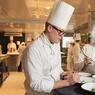 Le grand Chef originaire de la Rochelle avait fait ses classes chez Joël Robuchon à Paris.