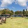 l'Aqua Verde hotel, havre de paix au milieu des vignes et au sommet du Cerro Eguzquiza, offre une vue exceptionnelle sur la campagne, les lagunes et les côtes de la Punta del Este.