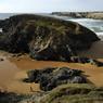 Niché au creux de la côte sauvage belliloise, la plage de Donnant offre une douce parenthèse hivernale aux âmes solitaires.