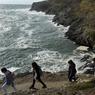 Belle-Île compte plus de 80 km de sentiers côtiers que l'on sillonne entre falaises déchirées et panoramas grandioses.