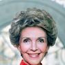 Voici le portrait officiel de la femme du 40ème président des Etats-Unis d'Amérique, Ronald Reagan. La photo est prise à la maison blanche en février 1983.