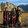 La tradition agricole perdure dans les villages tout autour de Nimmu, l'agriculture est au centre de leurs activités : ici, une famille ladakhi.