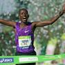 MARATHON MAN. Dimanche 3 avril, plus de 43 000 coureurs ont participé à la 40ème édition du Marathon de Paris. A l'arrivée, le Kenyan Cyprian Kotut s'impose en 2h07''11, quelques semaines après avoir remporté le semi-marathon de Paris. A seulement 24 ans, il disputait le deuxième marathon de sa carrière, après celui de Milan en 2015. Le record de l'épreuve, détenu par l'Ethiopien Kenenisa Bekele en 2014, tient toujours (2h05''04).