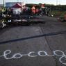 BLOCAGE. Les difficultés d'approvisionnement en carburant persistaient ce lundi 23 mai dans certaines stations services avec de nouveaux blocages, en dépit de la promesse du gouvernement de «libérer» les dépôts occupés par des opposants au projet de loi travail. Parmi les cinq raffineries exploitées par Total, trois subissent toujours la «mise à l'arrêt de certaines unités» en raison d'un mouvement de grève de certains salariés, comme ici à Donges, en Loire-Atlantique.