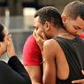 TUERIE. Dans la nuit de samedi à dimanche, les Etats-Unis ont connu l'attentat le plus meurtrier survenu sur leur sol depuis le 11 septembre 2001. Omar Mateen, citoyen américain d'origine afghane de 29 ans, s'est introduit dans une boite gay d'Orlando, le Pulse, et a ouvert le feu. Selon le dernier bilan, provisoire, cette tuerie revendiquée par l'Etat islamique aurait fait 49 morts et 53 blessés.