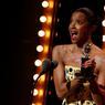 RÉCOMPENSÉE. Ce dimanche se tenait à New-York la cérémonie des Tony Awards. La comédie musicale retraçant la vie de l'un des pères fondateurs des Etats-Unis, Hamilton, a été récompensée par onze des treize prix en jeu et notamment celui du meilleur second rôle féminin dans une comédie musicale. A 45 ans, Renee Elise Goldsberg reçoit ainsi son premier Tony Awards pour sa performance dans le rôle d'Angelica Schuyler Church.