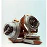 Modèles historiques avec profondimetre-bracelet « Bourdon » réglé pour une profondeur maximale de 30 mètres, prototype réalisé au milieu des années 50 à la demande de la Marine Nationale Egyptienne et boussole-bracelet.