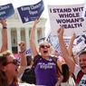 DÉCISION HISTORIQUE. La Cour Suprême des Etats-Unis a réaffirmé le droit des femmes à avorter ce lundi 27 juin. Cinq des huit juges de l'institution ont déclaré non constitutionnelle une loi du Texas qui durcissait les conditions d'exercice des cliniques souhaitant pratiquer l'IVG en imposant, par exemple, la possession d'un plateau chirurgical digne d'un milieu hospitalier. C'est une victoire pour de nombreuses personnes qui ont défilé, le jour même, dans les rues de Washington.