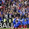 Le public française a rapidement éteint les chants des envahisseurs venus du nord de l'Europe avec deux buts dans les vingt premières minutes, signés Giroud, puis Pogba.