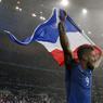 VICTOIRE. Le visage bienheureux d'Olivier Giroud après le quart de finale réussi contre l'Islande, dimanche 3 juillet. Auteur d'un doublé, le buteur a montré la voie à ses camarades, qui ont marqué trois autres buts. La France s'impose 5 buts à 2 à l'issue d'un match quasi-parfait. Seront-ils aussi efficaces jeudi prochain lors de la demi-finale qui les opposera aux Allemands, champions du monde en titre?