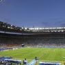 A l'heure de jeu, alors que les Bleus butaient toujours sur la défense portugaise, la Marseillaise s'élève dans le ciel.