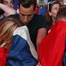 DÉCEPTION. Ces supporteurs français, qui ont suivi les Bleus jusqu'à la finale malheureuse, cachent leur tristesse. L'équipe de France a, malgré tout, réussi à reconquérir le cœur des Français, six ans après le fiasco de Knysna, grâce à du bon jeu, de la bonne ambiance, et surtout du cœur.