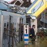 CHOC. Le Premier ministre italien Matteo Renzi s'est rendu sur les lieux de la collision entre deux trains, qui a couté la vie à au moins 27 personnes, mardi 12 juillet. Les secours ont extrait des débris plus d'une cinquantaine de blessés, et recherchent des disparus. Pour les enquêteurs, une erreur d'aiguillage pourrait être à l'origine de la catastrophe.
