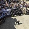 FIGÉS. Le président François Hollande et le ministre de l'intérieur Bernard Cazeneuve rendent hommage à Paris, ce lundi, aux 84 victimes de l'attentat qui a frappé Nice jeudi 14 juillet, accompagnés par les fonctionnaires de l'hôtel Beauvau.