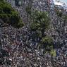 RASSEMBLEMENT. Sur la promenade des Anglais, des milliers de Niçois et touristes sont venus rendre hommage aux victimes. Sans préoccupations politiques, religieuses ou ethniques.