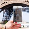 MONSTRES DE POCHE. La frénésie Pokemon Go est officiellement arrivée en France, dimanche 24 juillet au matin. Les fans français, particulièrement chéris par Nintendo, vont maintenant pouvoir partir à la chasse au Pokémon à travers le pays. Attrapez-les tous, d'accord, mais faites tout de même attention en traversant la rue…