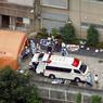 MASSACRE AU JAPON. Dans la nuit du lundi au mardi 26 juillet, un déséquilibré a pénétré dans l'hôpital pour handicapés de Sagamihara, près de Tokyo. Le jeune homme de 26ans, Satoshi Uematsu, a tué 19 personnes à l'arme blanche, en blessant 25 autres. C'est la première tuerie de masse au Japon depuis 2008, lorsqu'un homme au volant d'un camion et armé de couteaux avaient tué 7 personnes à Tokyo.