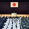 NATIONALISTE A LA DEFENSE : La nouvelle ministre de la défense, Tomomi Inada, prononce son premier discours devant son ministère, le 4 août, à Tokyo. La veille, Le premier ministre japonais, Shinzo Abe, avait dévoilé la liste de son nouveau gouvernement, où figurait donc Tomomi Inada, connue pour ses positions nationalistes et révisionnistes.