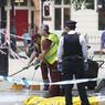 FOLIE MEURTIERE : Quelques heures après le crime, à Russell Square, Londres. Dans la soirée du mercredi 3 aout, un homme armé d'un couteau a tué une femme et blessé 5 autres personnes, devant l'Imperial Hotel. L'homme a été arrêté. Scotland Yard parle pour le moment d'un acte de folie, précisant qu'aucun signe de radicalisation n'avait été trouvé.
