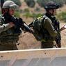 QUOTIDIEN. Une femme palestinienne contrôlée à un check-point près du camp de réfugié Al-Fawwar, au sud d'Hébron. Le 16 aout, des affrontements ont éclaté alors que des bulldozers israéliens venaient détruire des maisons, construites en zone C, sous contrôle de l'Etat hébreu.