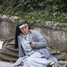 SAUVEE. C'est un jeune habitant d'Amatrice, qu'elle appelle son « ange », qui vient de l'extirper des décombres de son couvent. Blessée et choquée, sœur Marjana Lleshi, une religieuse de 35 ans d'origine albanaise, ne pense pourtant qu'à rassurer au plus vite les amis à qui elle avait réussi à envoyer des textos pour leur dire « adieu » et leur demander de prier pour son âme. Car elle croyait vraiment mourir, à l'instar de trois des six religieuses de sa congrégation et de quatre des cinq femmes âgées dont elles s'occupaient, toutes décédées dans l'effondrement du bâtiment qui les abritait.