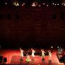 Le kathak, cette danse pure et narrative, renforcée par le jeu des grelots de chevilles dégage une énergie et une spontanéité saisissante. Ici, une représentation à l'occasion du très réputé «World Sacred Spirit Festival».