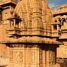 Les musiciens jouent pour les princes et les notables, mais d'une caste inférieure, ils restent à part dans la société indienne.