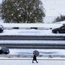 PREMIERE NEIGE. L'hiver s'installe sur Minsk, capitale de la République de Biélorussie. Les premiers flocons de neige ont recouvert d'un manteau blanc les rues de la ville où la température avoisine les 0 degrés.