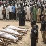 TROUBLES. Sanusi Abdulkadir, porte-parole du Mouvement Islamique du Nigeria (IMN), mène des obsèques ce mercredi 16 novembre à Kano au Nigeria quelques jours après que la police ait ouvert le feu sur la foule, alors que des membres du groupe chiite radical marchaient pour le traditionnel «Arba'een Trek», pèlerinage chiite, qui se déroule 40 jours après la fête de l'Achoura. Le nord du Nigeria, où la charia (loi islamique) est en vigueur, est à immense majorité sunnite et les tensions entre les deux communautés ont déjà fait au moins 10 morts, début octobre.