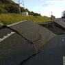 VIOLENT. Un séisme de magnitude 7,8 sur l'échelle de Richter a secoué le sud de la Nouvelle-Zélande dans la nuit de dimanche à lundi 14 novembre, faisant au moins deux morts, endommageant des bâtiments et provoquant un tsunami. La Nouvelle-Zélande se trouve à la limite des plaques tectoniques de l'Australie et du Pacifique, zone qui fait partie de la «ceinture de feu» du Pacifique, où jusqu'à 15.000 séismes sont enregistrés chaque année.