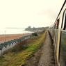 De Brixham à Dartmouth, un train à vapeur entretenu par des bénévoles conduit les touristes le long de la côte.