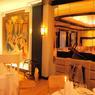 Dans l'hôtel Burg Island, tout est Art Déco : on est transporté dans les années 20.