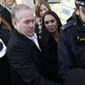 PRINCIPES. C'est escortée par les forces de l'ordre que Gina Miller, une femme d'affaires britannique de 51 ans, qui a saisi la justice pour forcer le gouvernement à consulter le Parlement avant de déclencher la procédure de divorce avec l'Union européenne, a quitté la Cour suprême du Royaume-Uni à Londres, ce mardi 24 janvier. Cette dernière vient de trancher : le Parlement devra approuver le lancement du Brexit. Selon l'AFP, Gina Miller a bravé «l'inacceptable» pour que la sortie de l'UE se fasse dans les règles.
