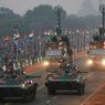 FESTIVITÉS. Comme tous les ans le 26 janvier, l'Inde célèbre le Jour de la République, l'une des trois fêtes nationales du pays, après le Jour de l'Indépendance et Gandhi Jayanti. A cette occasion, de nombreux défilés sont organisés sur Rajpath, grande avenue de New Delhi, la capitale du pays.