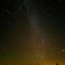 Le 12 août. Un météore traverse le ciel.