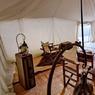 Le camp de Scarabeo dans le désert de Pierre d'Agafay, un bivouac de charme que Vincent T'Sas, un photographe belge, a imaginé il y a 5 ans. 7 tentes disséminées sur un vaste terrain et éclairées à la bougie.