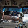 Le 26 février. La cathédrale de la Place Rouge à Moscou est vue à travers la fenêtre du bus transportant les membres d'équipage de l'Expédition 47.