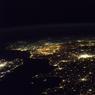 « Volant d'ouest en est, j'aperçois les lumières des côtes bretonnes en premier, comme tellement de navigateurs avant moi ! C'est toujours dans cette direction que vole la Station spatiale.»