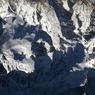 « Le Mont Blanc, le toit de l'Europe, au centre de la photo ! On distingue l'Aiguille du Midi, la Vallée blanche et même le refuge de l'Aiguille du Goûter.»